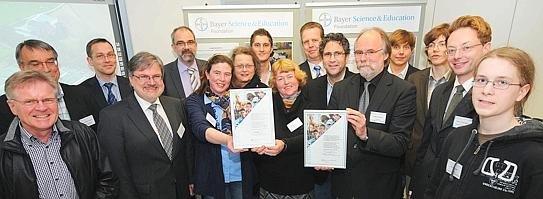 Die Bayer Science & Education Foundation prämierte Bildungsprojekte der Gesamtschule Fröndenberg und der Overbergschule.