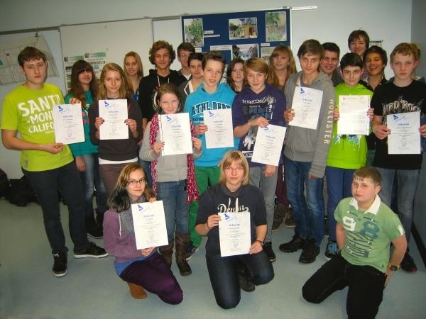 "Schüler beim Schulwettbewerb ""Chemie entdecken"" erfolgreich"