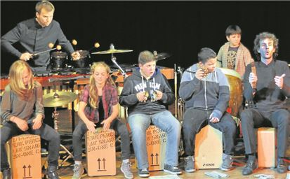 Die Gesamtschüler sowie die Profi-Musiker der Band Elbtonal Percussion hatten ein tolles Programm erarbeitet