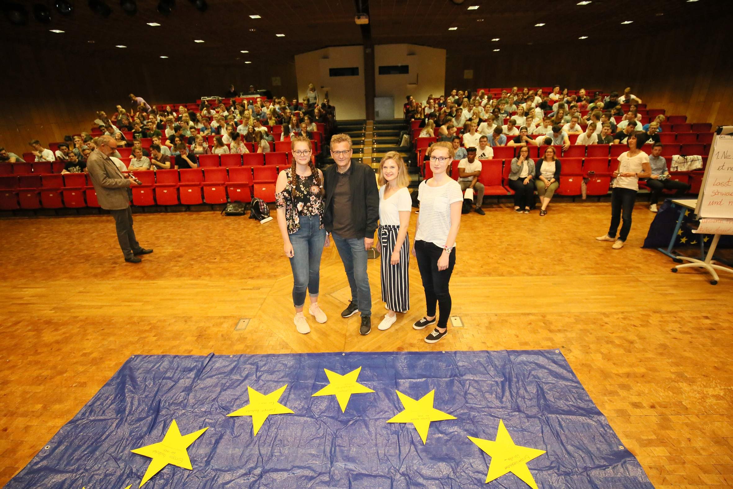 Europaabgeordneter Prof. Dr. Dietmar Köster zu Gast in der Gesamtschule Fröndenberg