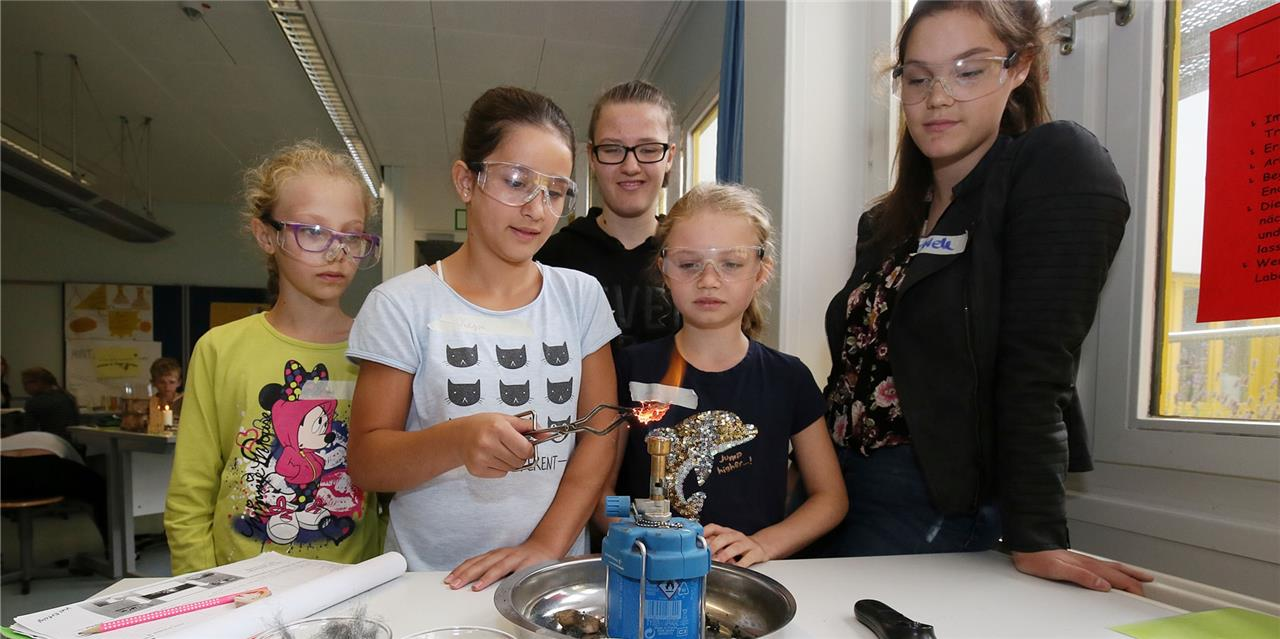 Beim gemeinsamen Forschen in Fröndenberg gewinnen alle