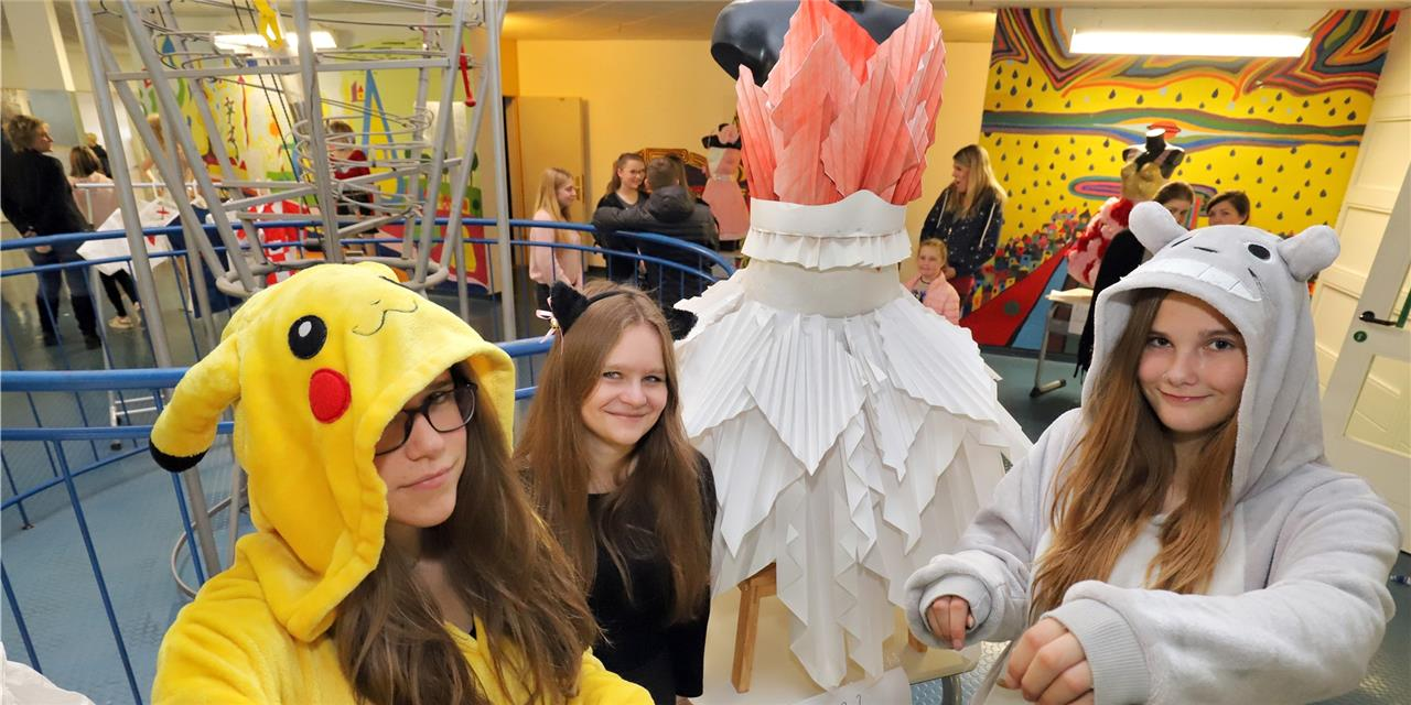 Vom Papierkleid bis zur Vogelspinne: Schüler präsentieren Ergebnisse der Projektwoche